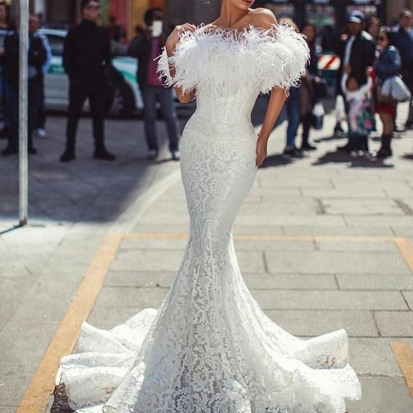2019 White Prom Dresses with Feathers Sexy Off The Shoulder Mermaid Evening Dress Vintage Lace Fishtail Cocktail Party Dress Custom Made