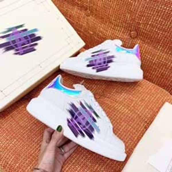 Nouvelle saison de luxe de la mode Chaussures de luxe Femmes Chaussures en cuir pour homme lacées plateforme surdimensionnée Sole Sneakers Blanc Noir Casual Chaussures R9