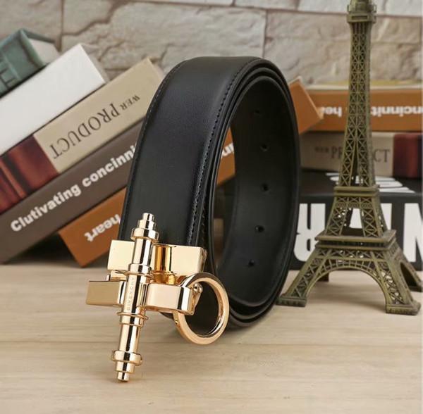 Cinturón de diseño de lujo de alta gama para hombres y mujeres con moda clásica cinturón de alta calidad ocio de moda transporte gratuito