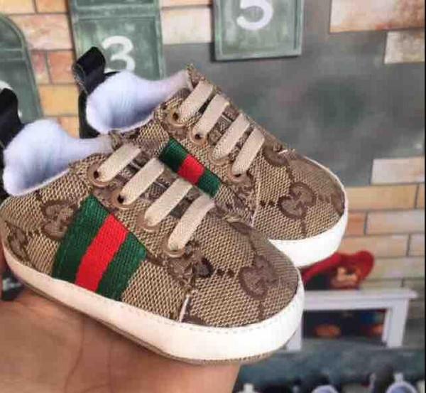 Erkek bebek Kız Sneakers Yumuşak Alt Beşik Ayakkabı Bebek Yürüyor Yumuşak Sole kaymaz Bebek Ayakkabı Boyutu 18 Ay Doğan