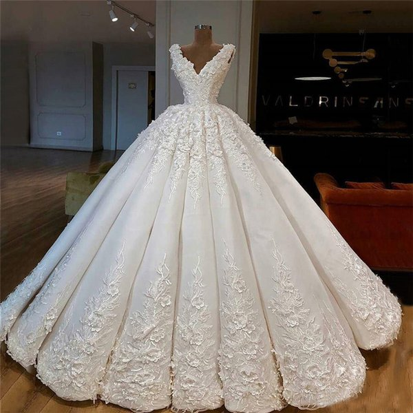 Luxury Ball Gown Designer Wedding Dresses 2019 A Line Satin Lace Appliqued Wedding Bridal Gowns Deep V Neck Country Wedding Gowns