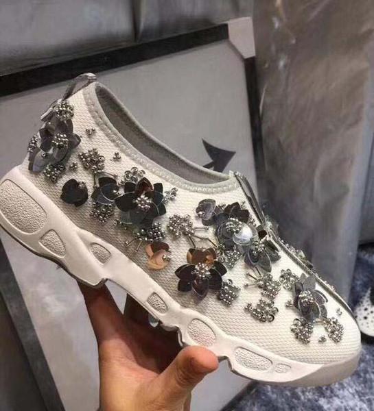 Scarpe da donna firmate D ricamo floreale 2019 scarpe da donna firmate di lusso di moda Party Platform casual € 34-42 hjk11