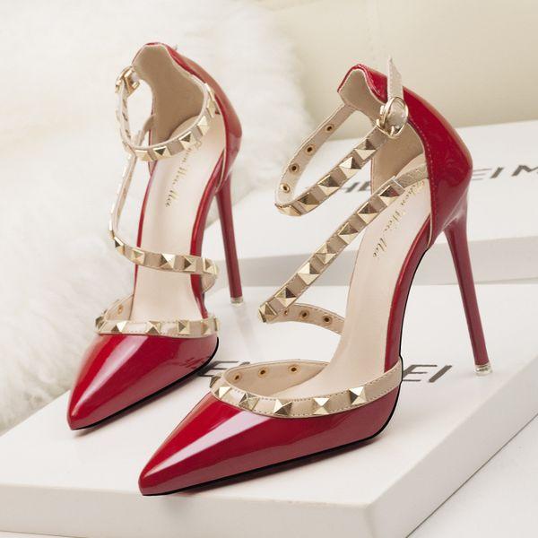 Las mujeres zapatos de tacón de aguja para mujer pu tacones altos atan para arriba el dedo del pie puntiagudo Stud bombas Euro simple sexy lady dress shoes zy232