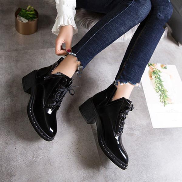 Bottes courtes Martin Bottes Chaussures Femmes Poinited Toes Chaussures Bottines épais talon haut talon plat Bottes à talons en cuir de style britannique