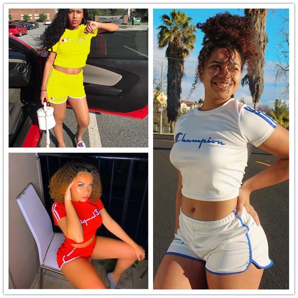 Kadın Yaz Eşofman Şampiyonlar Mektup Kısa Kollu Baskılı 2 Adet Set T-shirt Kırpma Üst + Şort Pantolon Spor Marka Bayanlar Kıyafetler B11