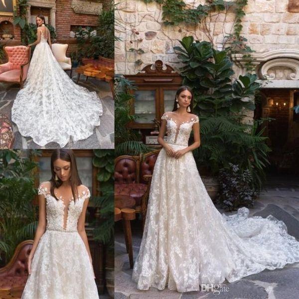 2019 Berta de encaje completo de tul vestidos de novia de manga corta de encaje apliques Sheer cuello bohemio boda vestidos de novia de la ilusión sexy Volver