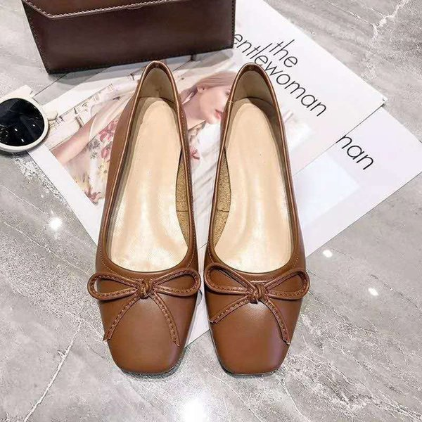 2019 new European and American hot women's casual shoes dress Real leather shoes breathable and comfortable flat shoes free postage
