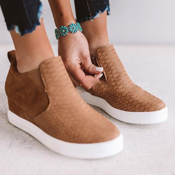 Women's Faux Snakeskin Loafers Comfort Casual Round Toe Platform Moccasin Slip-on Fashion Sneakers wedges Shoes For Women