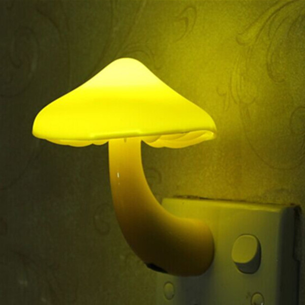 30 UNIDS UE EE. UU. Enchufe LED Luz de Noche Seta Lámpara de Luces de Socket de Pared para Dormitorio Decoración Del Hogar Caliente Controlador de Luz Sensor AIJILE