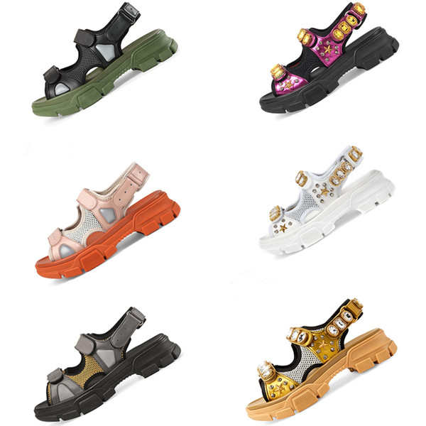 2019 Designer rebitada sandálias de Esportes de luxo da marca de diamantes do sexo masculino e feminino sandálias de lazer de moda de couro ao ar livre da praia homem mulheres sapatos