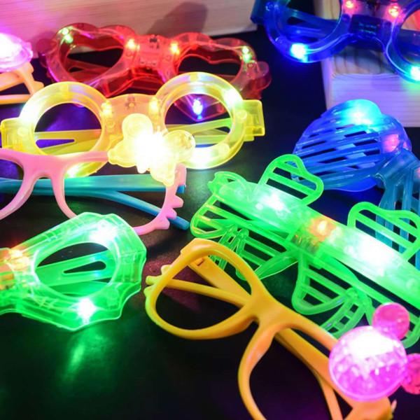 LED Occhiali Glow in Il partito scuro Forniture farfalla cuore di amore di Spider Man Cinque Punte forma di stella 6 luci occhiali KKA7565