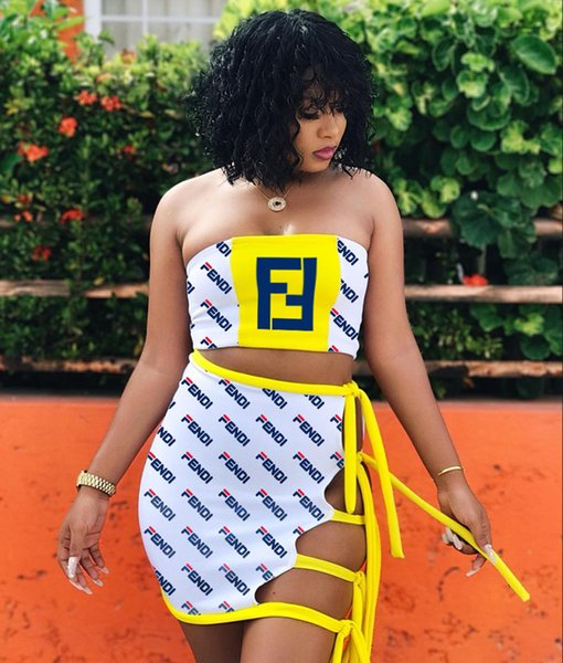 Diseñador de las mujeres del verano vestido de dos piezas de la marca de lujo venta caliente sin tirantes del hombro sin mangas de la camiseta con cordones ahueca hacia fuera la falda corta 707