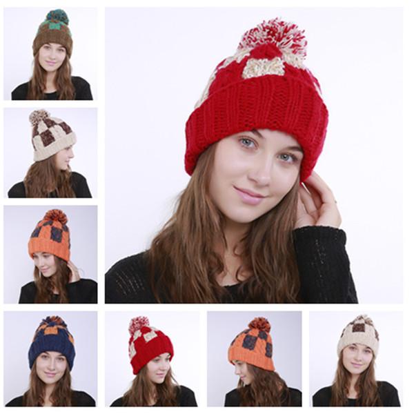 chapéu novo Mão-de malha cor chapéu combinando xadrez torção grande lã senhoras bola outono e inverno chapéu morno malha chapéus de festa T2C5121