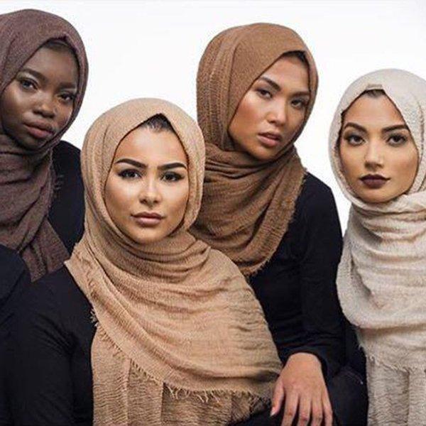 Оптовая пузырчатый шарф хлопчатобумажные шарфы бахромой женщины мягкий твердый хиджаб популярные глушители платки большой пашминой обернуть хиджаб шарфы 55 цветов