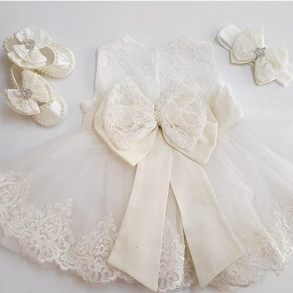 2017 Romantic gonfio Tulle Flower Girl Dress in abito da comunione matrimoni White Lace abito di sfera Girl Party Baby Girl Dress Battesimo CJ191202