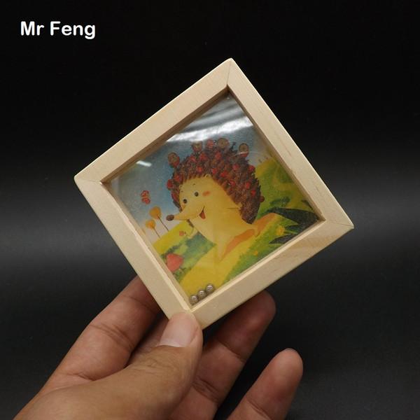 Hérisson mignon Jouets en bois Jouets Montessori Aides pédagogiques Ordinateur de poche Balle de labyrinthe Jeux d'équilibre pour les enfants Parents (numéro de modèle B057)