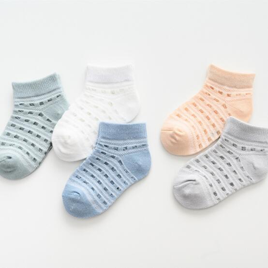 Calze estive sottili del cotone della neonata dei calzini del ragazzo della ragazza di 5 colori Calzini comodi di buona qualità di formato del cotone infantile 03T