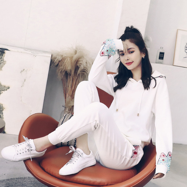 Casual sports suit 2019 new goddess early autumn and early spring Wei clothes two-piece female fashion autumn and winter Harajuk