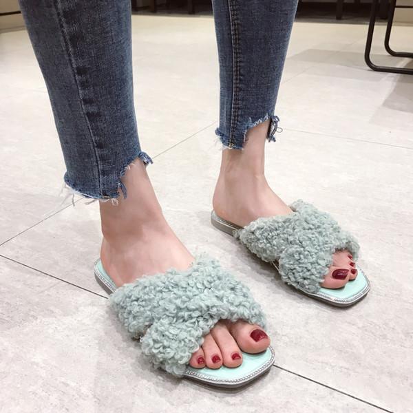 Hot2019 Wind The Xiaxiannv Clothes Sheep Hair Curly Hair Slipper Rhinestone Square Flat Bottom Crossing Trae sandalias Baby Shoe Mujer