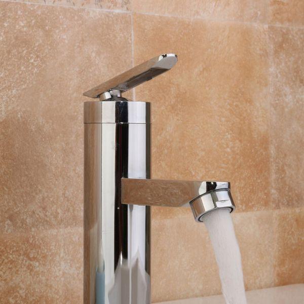 Torneira Da Bacia Do banheiro Frio Mixer Torneira Montado Na Parede de Água Quente Cachoeira Casa Pia Da Cozinha Único Punho Lavatório Cromo