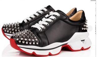 Hombres zapatos casuales de diseño más nuevos zapatillas de deporte de fondo rojo de neopreno hombres remache zapatillas Spike-calcetín zapato plano kx164