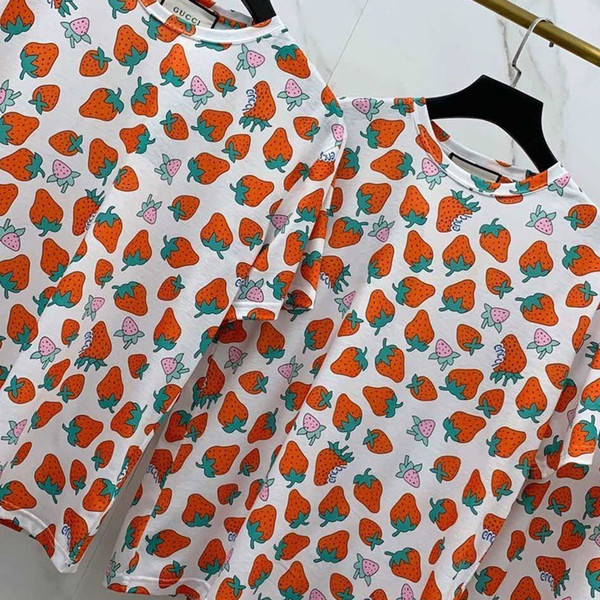 Luxe Europe Fraise Impression Tshirt Shorts Hommes Designer T Chemises Femmes Couple Haute Qualité Marée De La Mode D'été Rouge Tee HFSSTX256