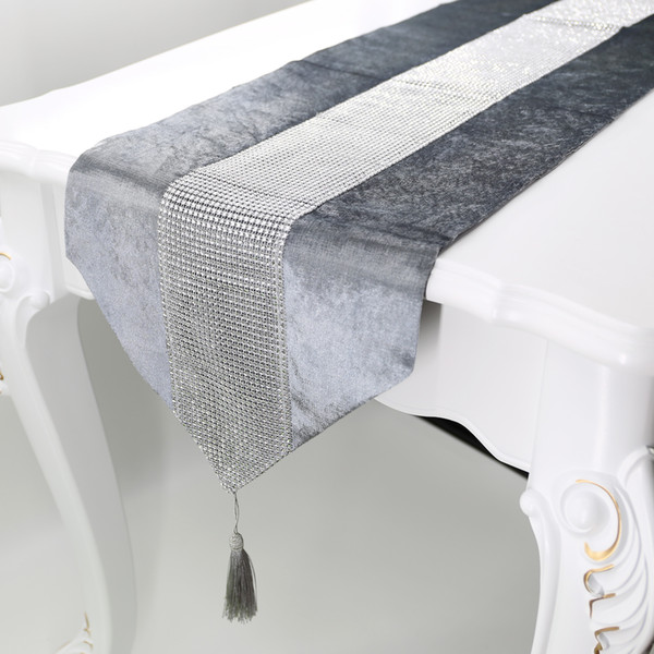 top popular 32*180cm Coffee Table Runner Cloth Home Decoration Fashion Hotel Table Cushion Diamond Luxury Flannel Tablecloth Decoration 2021