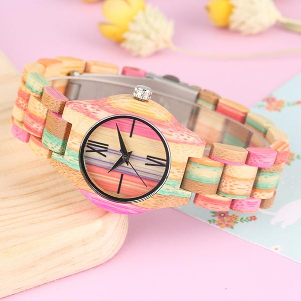 Bunte natürliche Bambus Fall Uhren handgemachte Rom Digital Dial Quarz Holz Armbanduhr kreative Multicolor Band Uhr für Frauen