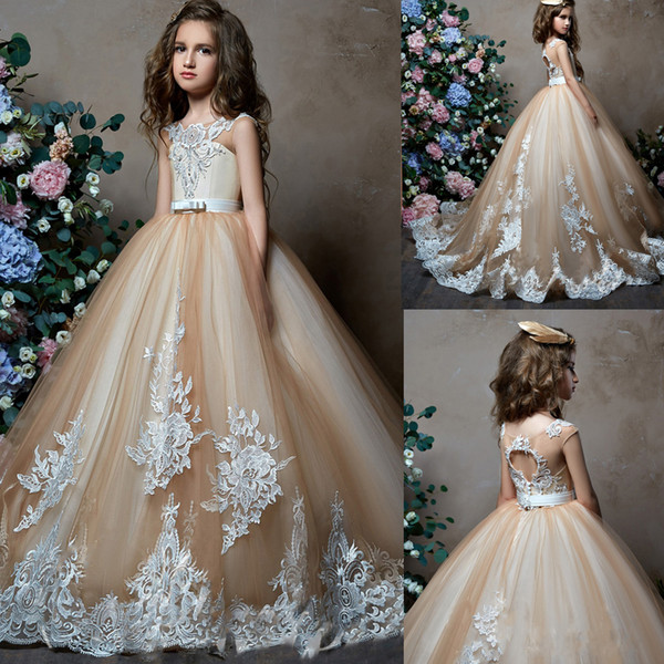 Cape Sleeve Wedding Flower Girl Dress Lace Appliques Sweep Train Well Designed Pageant Gowns Prom Dress Evening party Dress