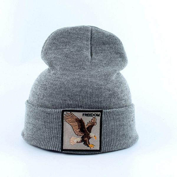 Орел серый