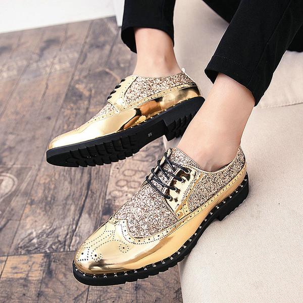 2018 uomini di modo scarpe di cuoio calzature Men Dress Shoes business matrimoni Bullock Designer Black Gold Oxford Bling Bling LE-47