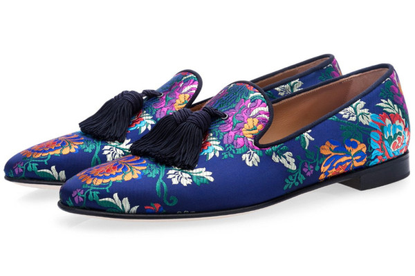 Free shipping luxury Chinese Men leather Loafers Flats handwork embroider tassels dress Shoes Slip-On Satin Feminino Male Homecoming 39-46