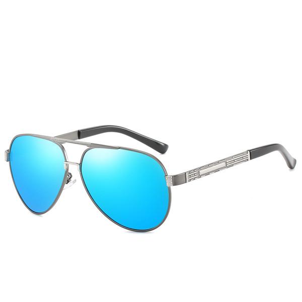 Pistola de marco plateado diafragma azul.