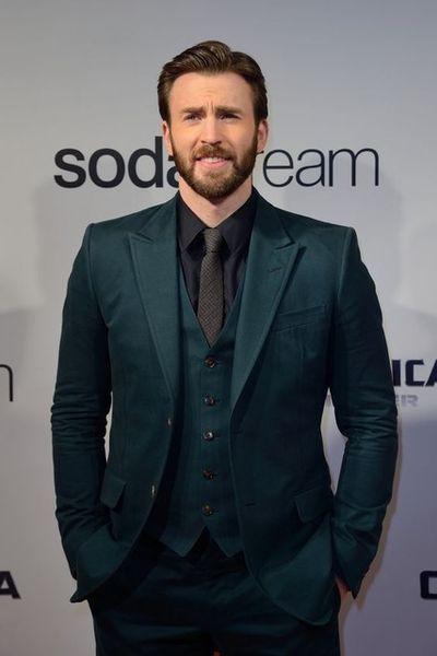 2019 Latest Coat Pant Designs Green Prom Men Suit Slim Fit 3 Piece Tuxedo Custom Suit Fashion Groom Party Blazer Terno Masuclino