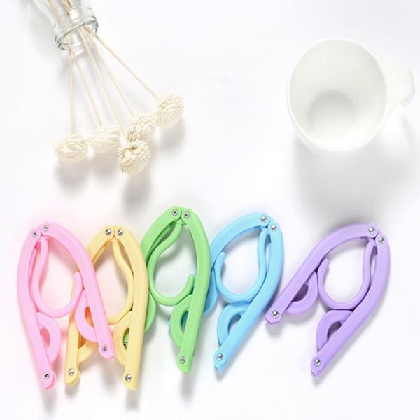 5 Color 5PC Folding Plastic Portable Magic Travel Hanger Clothes Hanging Convenient Travel