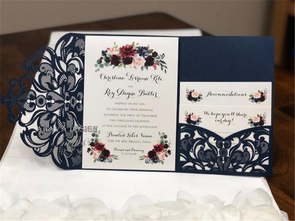 Bleu marine scintillant dentelle Tri-Fold Laser Cut Invitations de mariage Invitation de poche Invitation de mariage Pocket Cut Cut Laser Shimmer Jacket
