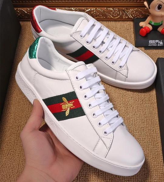 Großhandel 19ss Mens Designer Schuhe Weiß Ace Bee Gestickte Sneakers Rot Grün Web Casual Leder Designer Sneaker Herren Schuhe Von Hangzhou8, $132.67