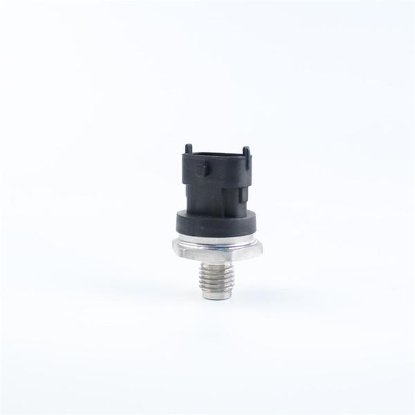 Capteur de pression du système d'alimentation DEFUTE 0281002867 pour le spot de vente directe d'usine de la série Common Rail de Bosch