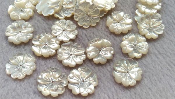 20mm doğal inci kabuk boncuk Inci Kabuk annesi Oyma Çiçekler petal düz Geri ile 6 adet yataklar