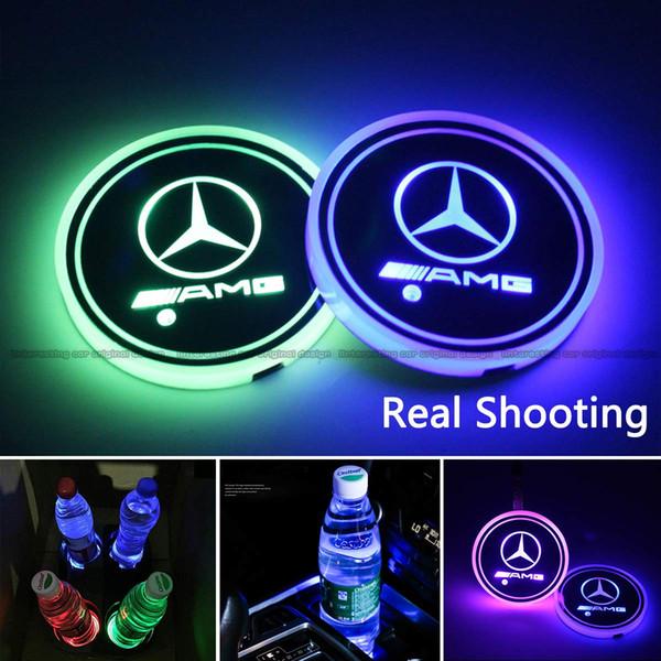 2pcs LED luces del sostenedor de la taza del coche para Mercedes Benz AMG, 7 colores que cambian el cojín de la taza luminiscente de la estera de carga del USB, lámpara interior de la atmósfera del LED