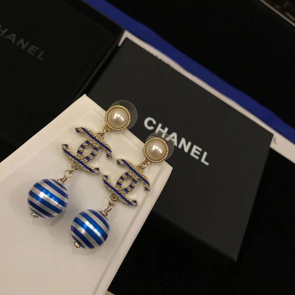 Calidad superior de latón pendientes de gota excelentes con perlas azules y grises con logotipo 18k oro verdadero plateado joyería regalo de boda parte PS6687A