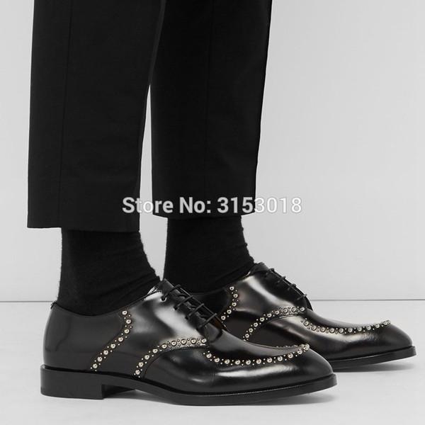 Moda Tasarım Erkekler Elbise Ayakkabı Trend Oxfords Ayakkabı Deri Ayakkabı Erkekler Yüksek Kalite Perçin Parti Için Dekore Erkek