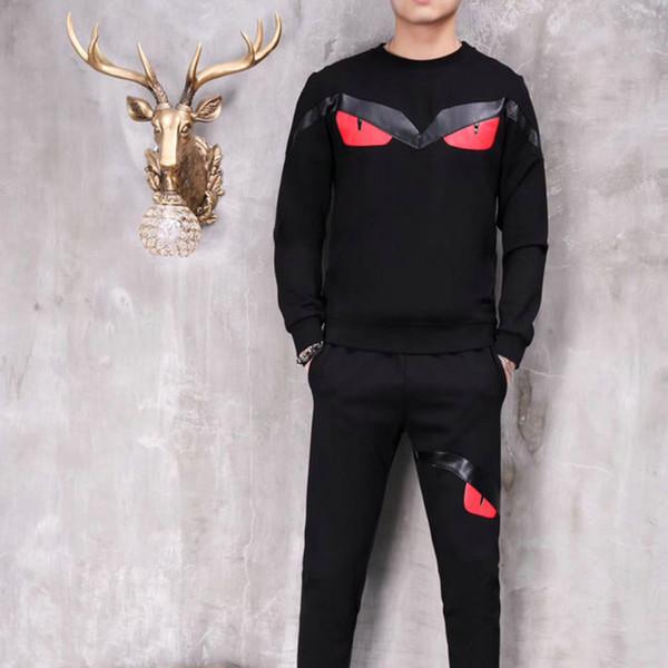 Traje de hombre de diseñador Conjunto de cuello redondo pequeño de algodón Conjunto transpirable con estampado de moda informal 2019 Nueva ropa bien vendida
