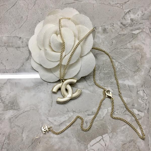 Collana di lusso della collana del progettista della lettera della lettera del diamante dell'oro di lusso per il pendente della collana delle donne per il regalo delle donne