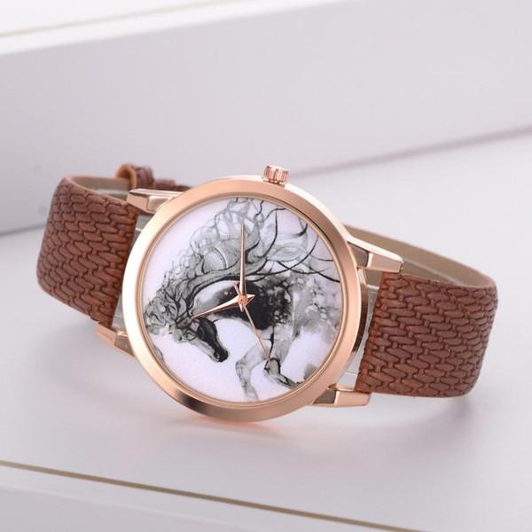 Pferdemodische Frauen-Leder-Andenken-Damen-Armbanduhr-Geschäft schöne einfache Temperamentuhr mit Zeitprojektion #D