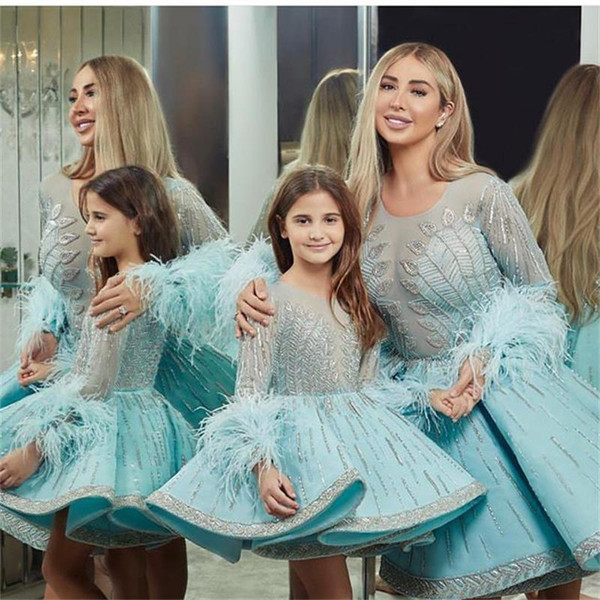 2019 Sweet Blue Flower Girl Dresses Jewel Neck Lace Appliqued Beading Special Occasion Dress For Weddings Feather Kids Pageant Gowns