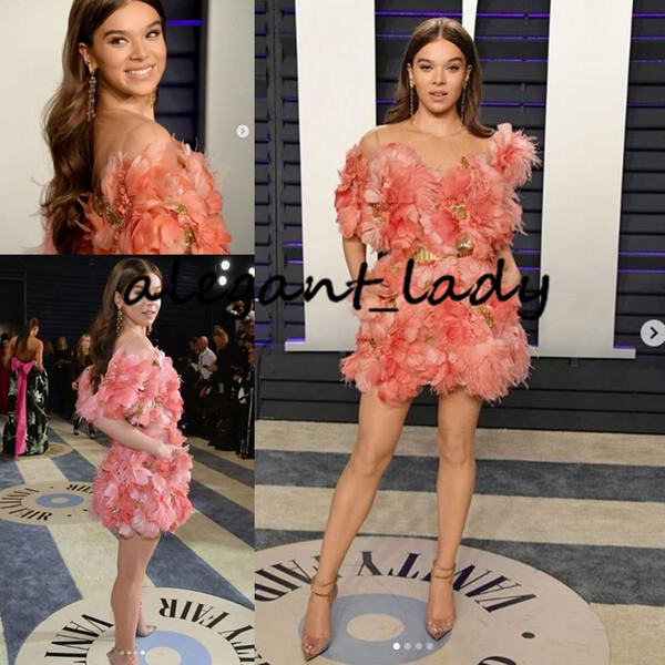 Hailee Steinfeld dans Elie Saab Vanity Fair Oscars Party Dress Porter Peach Blush rose 3D Plume Floral court Mini Cocktail Robes