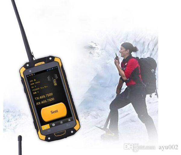 4,5-дюймовый сенсорный экран Corning Glass Runbo Q5 2GB RAM / 16GB ROM 13.0 MP Задняя камера VHF / UHF Walkie Talkie IP67 водонепроницаемый телефон