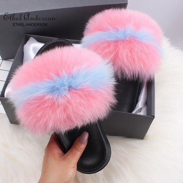 Pele de raposa azul-de-rosa