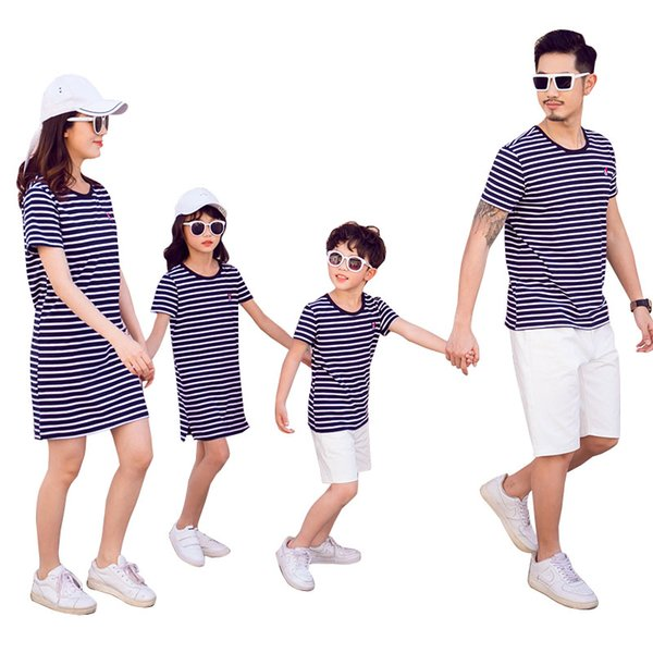 Family Clothing Women Girl Mother Daughter Dresses Summer Men Boy T-Shirts Short Pants For Father Son Family Matching Outfits